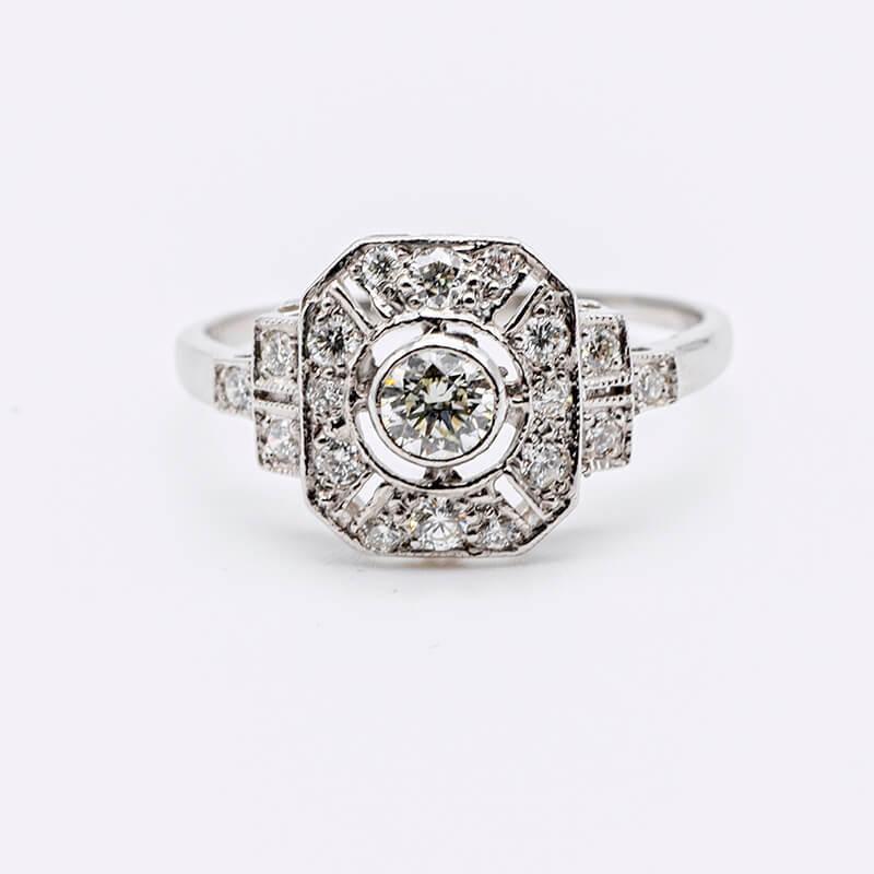 Deco style diamond ring