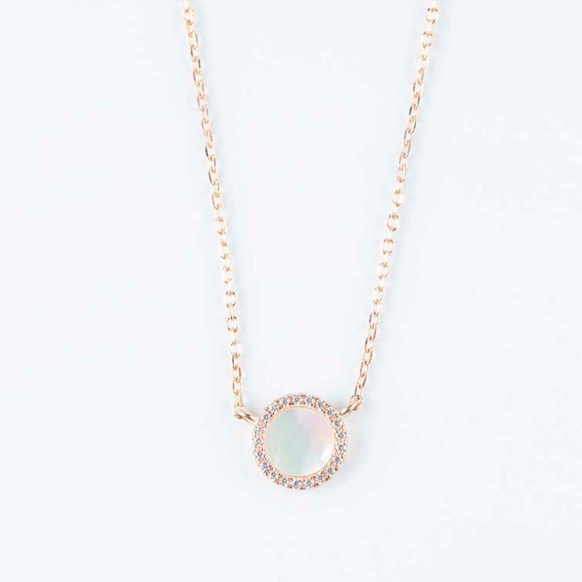 Mother-of-pearl pendant