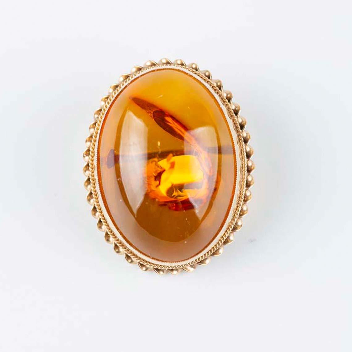 9ct Yellow Gold Brooch