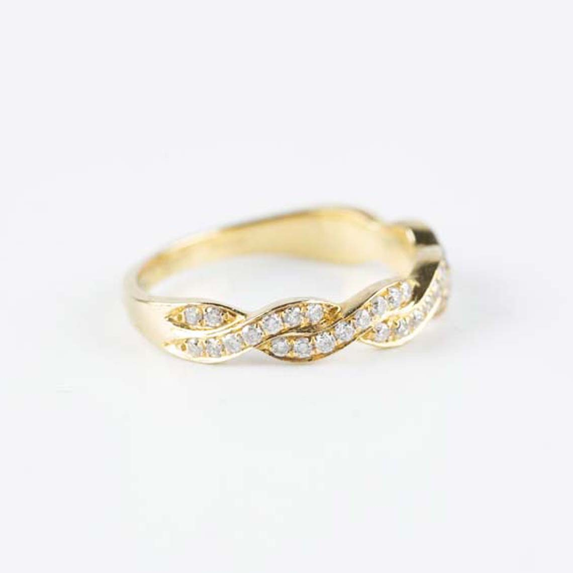 Eternity rdiamond ring