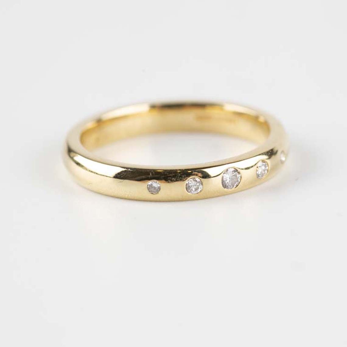 Wedding/eternity band