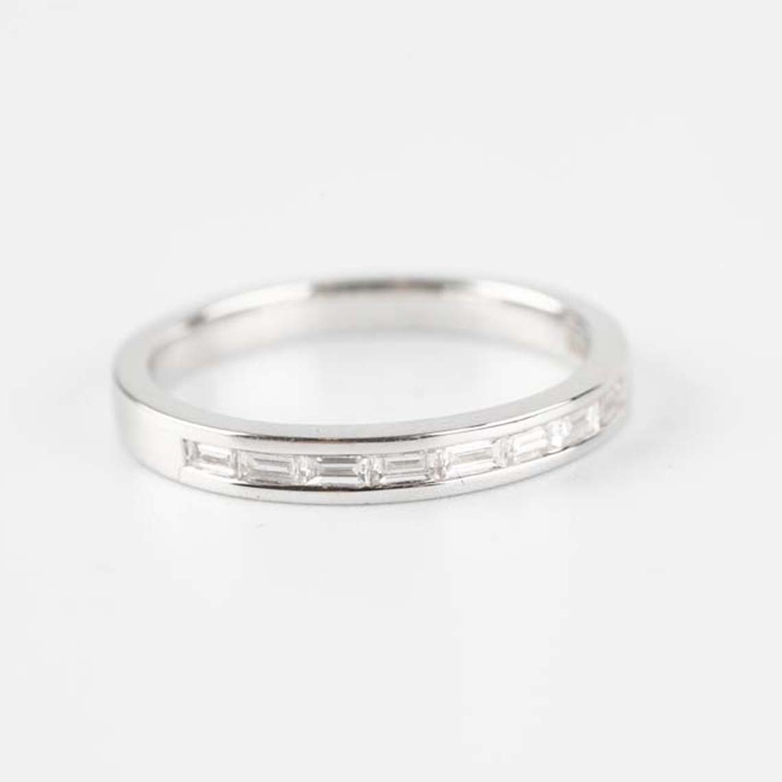 Eternity/wedding ring