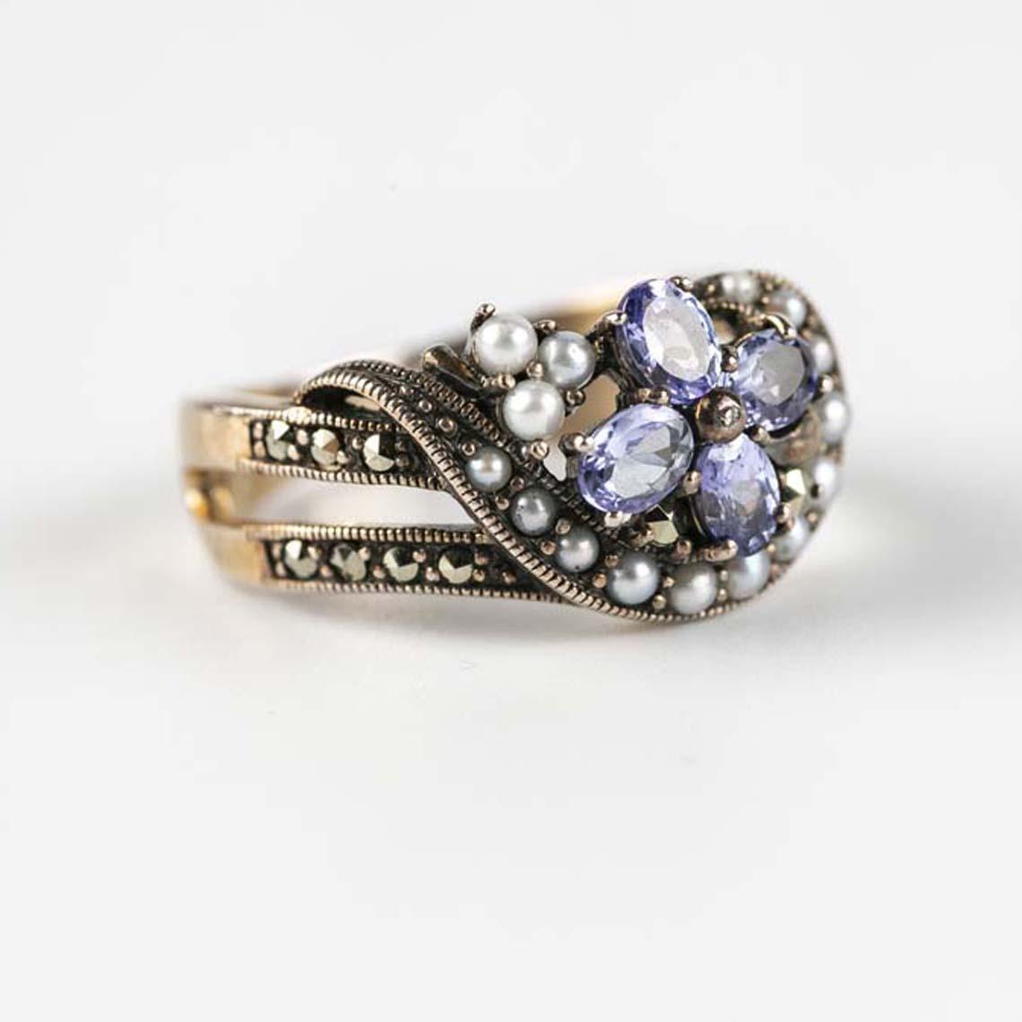 Tanzanite and pearl ring
