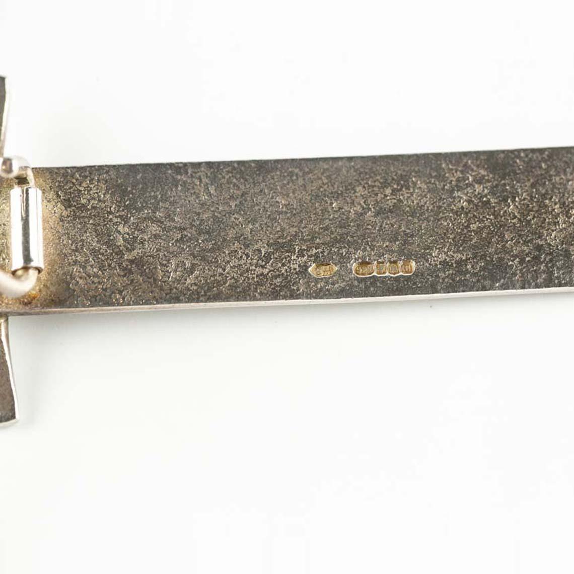 Silver kilt pin