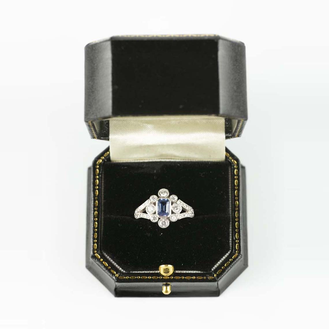 Vintage diamond and sapphire ring