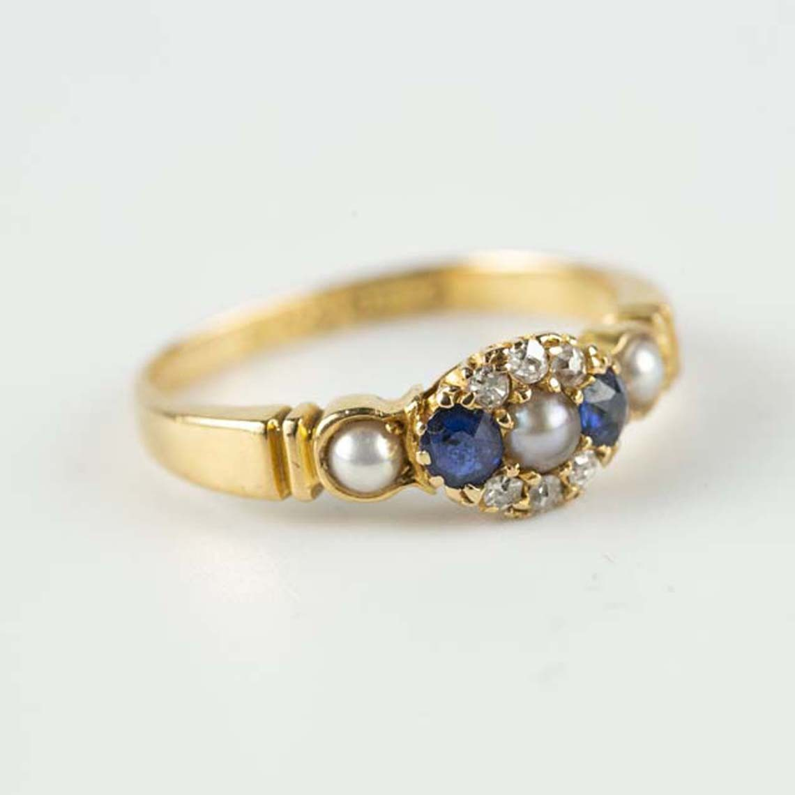 Vintage sapphire and pearl ring